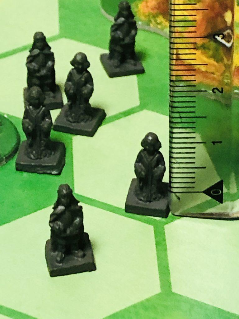 ボードゲーム『ラチッタ』の市民コマ。造形の細かい人型駒の写真
