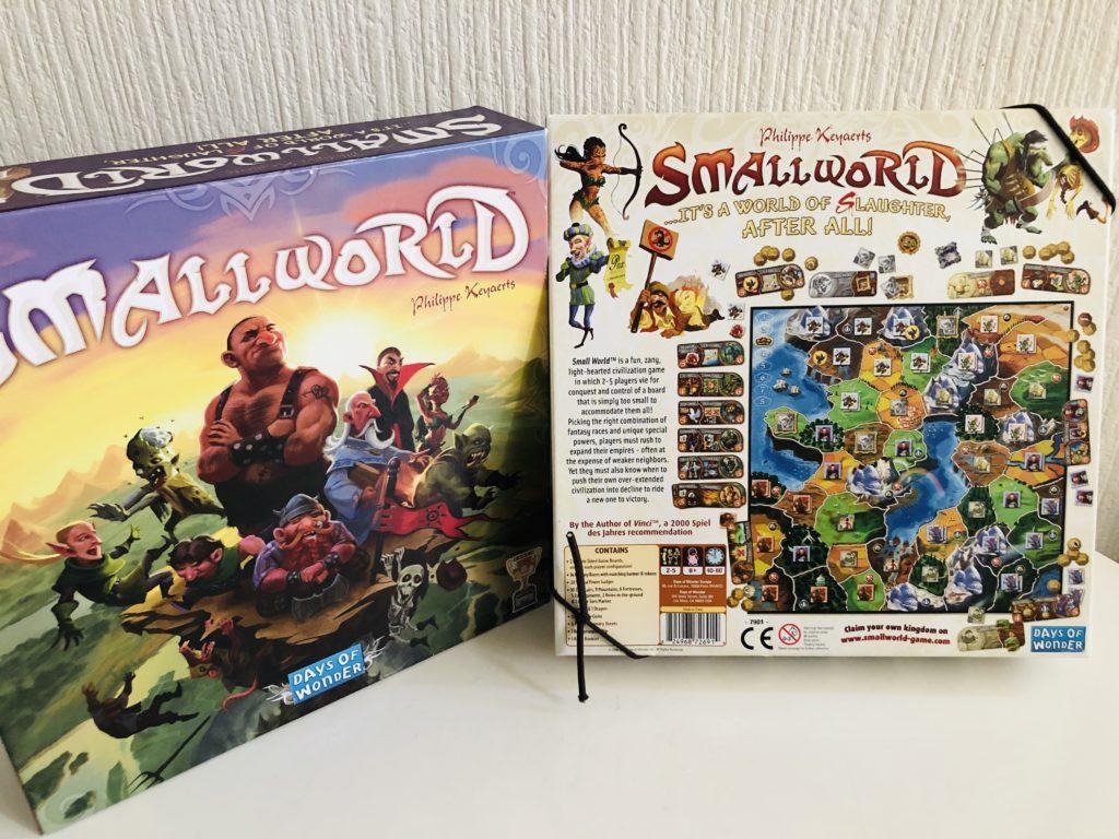 ボードゲーム『スモールワールド』の箱絵画像。ファンタジーのキャラクターがたくさん描かれている素敵なイラスト
